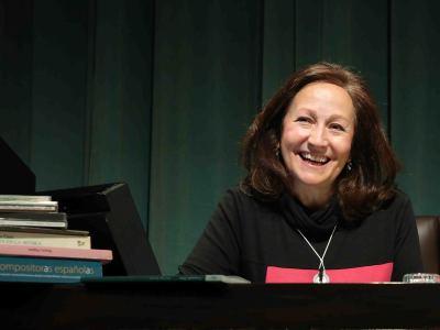 Consuelo Díez. En conferencia sobre Fanny Mendelssohn y la mujer en la composición musical - Fanny Mendelssohn y la mujer en la composición musical