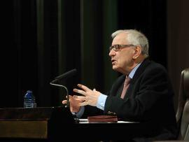 Gregorio del Olmo. En conferencia sobre Moisés y la Ley - Figuras del Antiguo y Nuevo Testamento , 2014