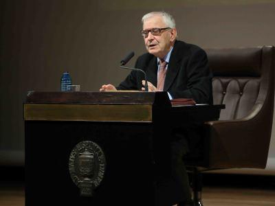 Gregorio del Olmo. En conferencia sobre Moisés y la Ley - Figuras del Antiguo y Nuevo Testamento