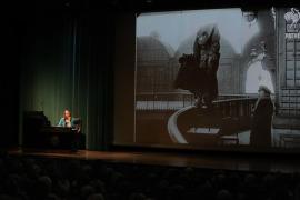 Rosa Sala Rose. En conferencia sobre Thomas Mann: la vida desde la barrera - Thomas Mann: su vida, su obra, su tiempo , 2014