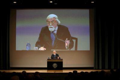 José Francisco Yvars. En conferencia sobre Josef Albers: caleidoscopio. Enigmas del color - En torno a Josef Albers