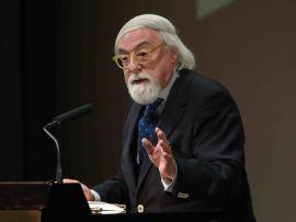 José Francisco Yvars. En conferencia sobre Josef Albers: caleidoscopio. Enigmas del color - En torno a Josef Albers , 2014
