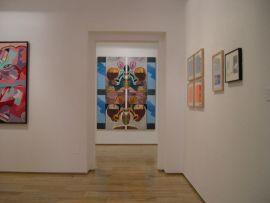 Vista parcial de la exposición Gordillo Dúplex, 2004