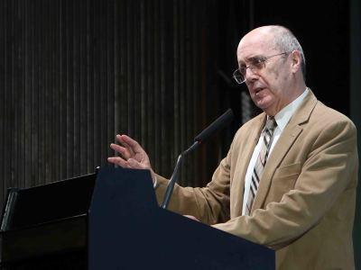 Ángel-Luis Pujante. En conferencia sobre El soneto isabelino y los Sonetos de Shakespeare - Shakespeare. Sus Sonetos