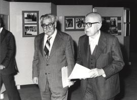 Vicente Llorens y Dámaso Alonso. Exposición Eduardo Marquina, 1979