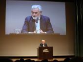 Darío Villanueva. En conferencia sobre Valle-Inclán entre los dos Modernismos - Valle-Inclán: su vida, su obra, su tiempo , 2015