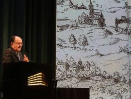 José María Luzón. En conferencia sobre Itálica: una visión historiográfica - Las ciudades en la antigüedad mediterránea , 2015