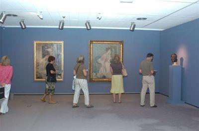 Vista parcial de la exposición Figuras de la Francia moderna De Ingres a Toulouse-Lautrec. Colección del Petit Palais de París