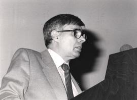 Antonio Fernández Alba. Conferencia sobre Nuevo discurso de la figura cúbica - La arquitectura en la sociedad del cambio , 1986