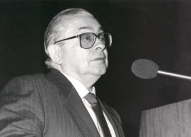Manuel Alvar. Conferencia sobre Diglosia dialectal en España - Bilingüismo y diglosia en el mundo hispánico , 1989