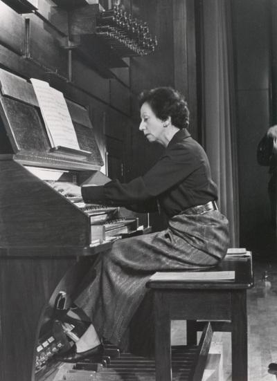 Montserrat Torrent. Ciclo de conciertos de Música española para órgano