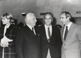 Aimé Maeght, Eduardo Chillida y José Luis Yuste Grijalba. Exposición Georges Braque Óleos, gouaches, relieves, dibujos y grabados, 1979