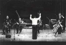 Concierto del compositor brasileño Marlos Nobre, al piano, junto con el Grupo Koan, 1978