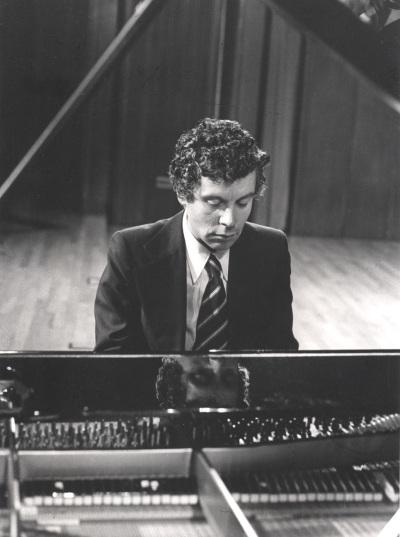 Rogelio R. Gavilanes. Recital de piano