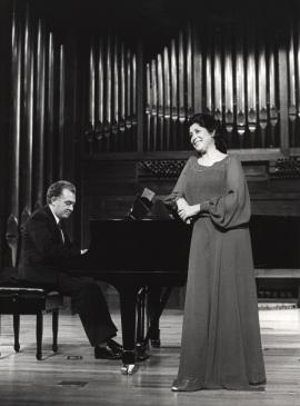 Miguel Zanetti y Carmen Bustamante. Concierto Matisse , 1980