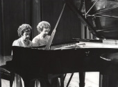 Agustina Palaviccini y Josefa Palaviccini. Recital de dúo de pianos , 1981