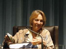 Soledad Puértolas. Conferencia sobre El fuego sagrado de la fabulación , 2011