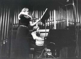 Polina Katliarskaia y María Manuela Caro. Concierto Mozart: ciclo de sonatas para violín y piano , 1984