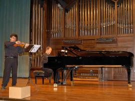 Aníbal Bañados y Víctor Correa-Cruz-Cruz. Concierto Música de cámara norteamericana , 2006