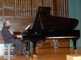Kennedy Moretti. Concierto Mass clásica. Músicas para la exposición Roy Lichtenstein: de principio a fin , 2007