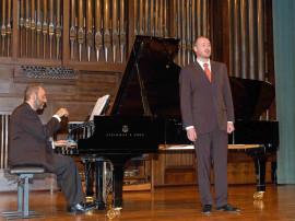 Kennedy Moretti y José Antonio López. Concierto Mass clásica. Músicas para la exposición Roy Lichtenstein: de principio a fin , 2007
