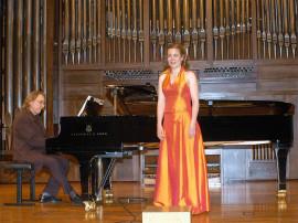Gudrún Ólafsdóttir y Juan Antonio Álvarez Parejo. Concierto Música nórdica. En el centenario de Edvard Grieg , 2007