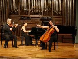 Levon Melikian, Natalia Margulis y Sofía Melikyan. Concierto Después de Stalin: música en la URSS, 1960-1990 , 2008