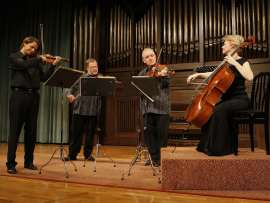 Brodsky Quartet, Joan Rowland, Ian Belton, Paul Cassidy y Jacqueline Thomas. Concierto Opus finales , 2009
