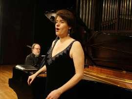 Elena Gragera y Antón Cardó. Concierto La desintegración de la tonalidad , 2010
