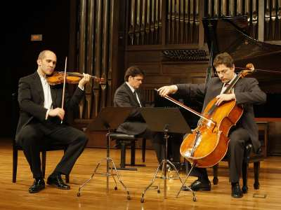 Trío Arbós, Miguel Borrego, José Miguel Gómez y Juan Carlos Garvayo. Concierto Tradición y vanguardia en la música latinoamericana (1930-1970)