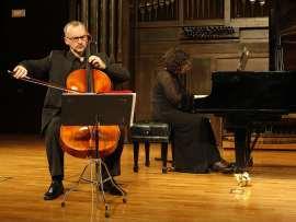 Ángel Luis Quintana y Carmen Martínez-Pierret. Concierto Tradición y vanguardia en la música latinoamericana (1930-1970) , 2011