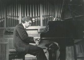 Javier Sanz. Concierto Estudios para piano , 1984