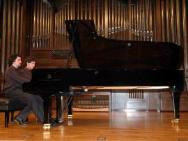 Dúo Moreno Gistaín, José Enrique Moreno Gistaín y Juan Fernando Moreno Gistaín. Concierto Recital de piano a cuatro manos , 2007