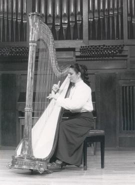 María Rosa Calvo Manzano. Recital de arpa , 1985
