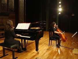 Pilar Guarné y Marina Comas. Concierto Recital de violonchelo y piano , 2011