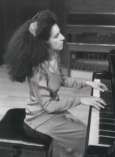 Alma Petchersky. Concierto Piano francés