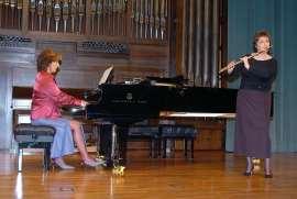 María Antonia Rodríguez y Aurora López. Concierto La flauta española , 2005