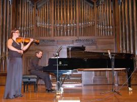 Lorea Aranzasti y Duncan Gifford. Concierto Cuarta tribuna de jóvenes intérpretes: el violín , 2006