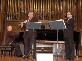 Claudio Arimany, Antonio Arias Gago Gago y Alan Branch. Concierto La flauta en trío , 2007