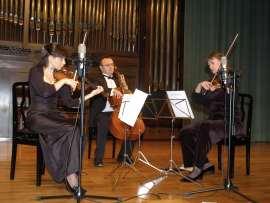 FATUM String Trio, Yulia Iglinova, Julia Malkova y Anton Gakkel. Concierto Tríos de cuerda , 2008