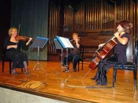 Trío de Arco Adagio, Carmen Tricás, Mª Teresa Gómez y Mª Luisa Parrilla. Concierto Tríos de cuerda , 2008