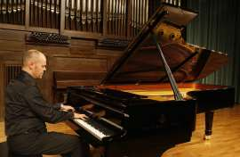 Jorge Robaina. Concierto Preludios para piano , 2009