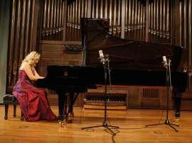 Mariana Gurkova. Concierto Preludios para piano, 2009