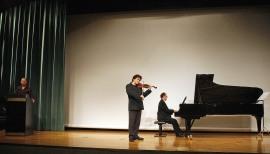 Julio Arce, Gabriel Arcángel y Vadim Gladkov. Concierto Formas de bailar la música - Conciertos en familia , 2011