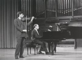 Juan Llinares y Perfecto García Chornet. Recital de violín y piano , 1986
