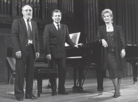 Miguel Alonso, Pura María Martínez y Rogelio R. Gavilanes. Concierto con motivo de la edición del Catálogo de obras de Conrado del Campo - [Concierto especial 13] , 1986
