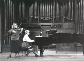 Polina Kotliarskaya y María Manuela Caro. Recitales para Jóvenes, 1987