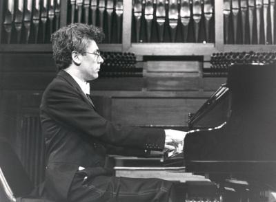 Antoni Bessés. Concierto Mompou: música para piano