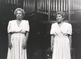 Josefa Palaviccini y Agustina Palaviccini. Recital de dúo de pianos, 1981