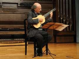 José Miguel Moreno. Concierto Sevilla 1550. La vihuela y el Nuevo Mundo - El sonido de las ciudades , 2009